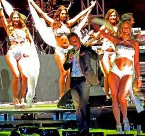"""Las Chicas Polar bailando con Oscarcito el tema  """"Reggaeton con gusto"""""""